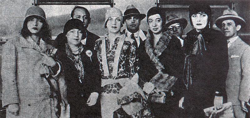 800px-Pagu.Elsie.Tarsila.Anita.Eugenia.1922
